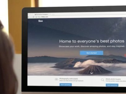 iMac App Demo Video Featuring a Woman Working at Her Desk a1196